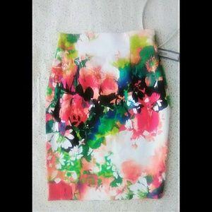 Worthington Floral Skirt sz 4 NWT